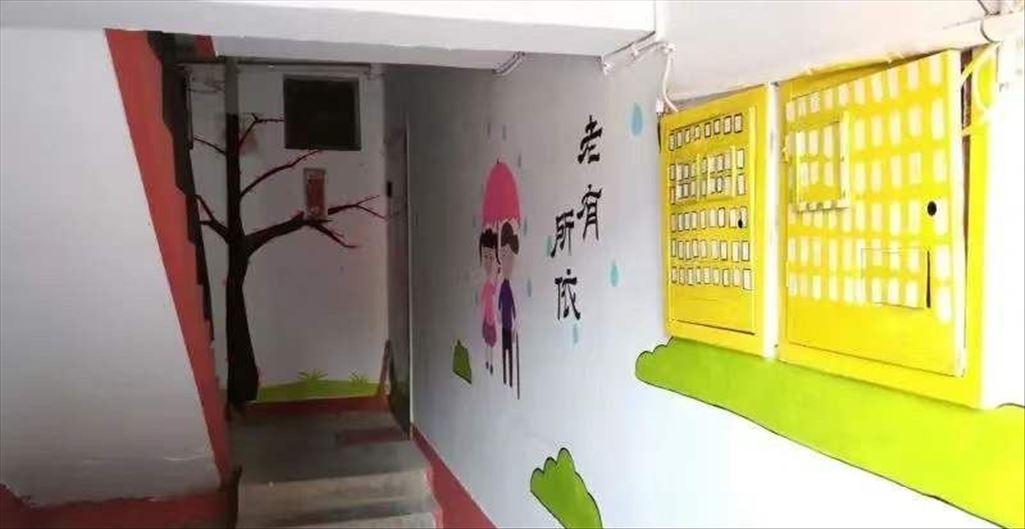"""邢台这个老小区楼道变身成了""""艺术画廊"""""""